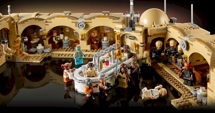 Lego Star Wars Mos Eisley Cantina Set Unveils a Massive Hive of Scum and Villainy